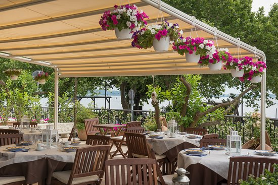 Mali Trevignano - Hotel & Cocktail Bar: Colazione in terrazza