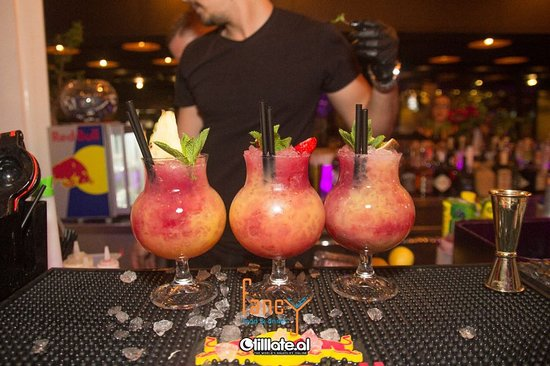 Fancy Resto Lounge: Cocktails
