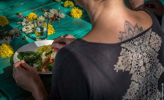 Chia Lounge: Dining