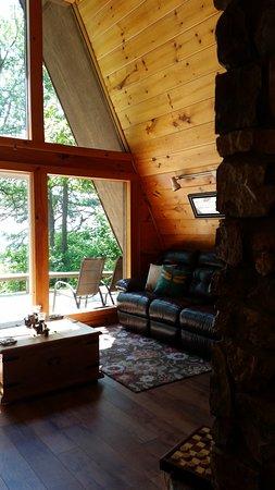 Peckerwood Knob Cabins: Sunrise Cabin living room