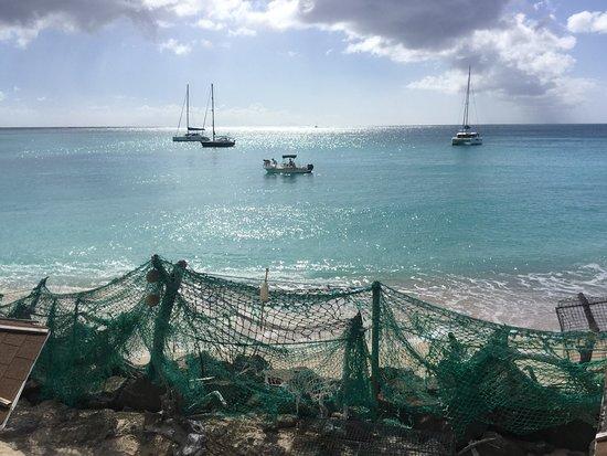 Crab Hill, Antigua: Boats are allowed