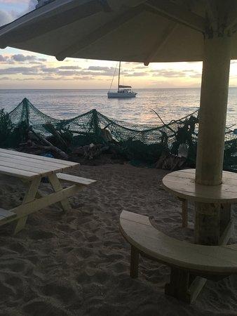 Crab Hill, Antigua: Outside is more fun