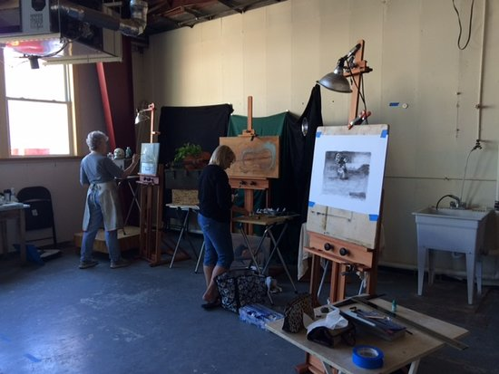 The Atelier at Flowerfield Inc: Atelier at Flowerfield, painting class