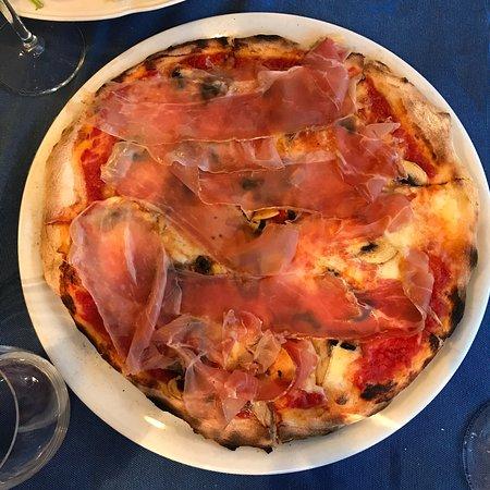 Trattoria - Pizzeria Santa Lucia ภาพถ่าย