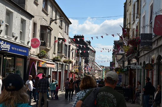 Galway City Walking Tours: lovely cobble stone streets with musicians and great shopping