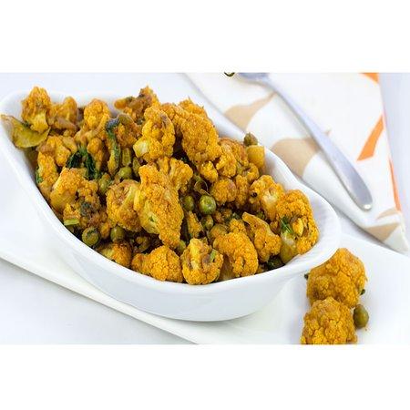 Namaste Bistro: Cualiflower Peas curry