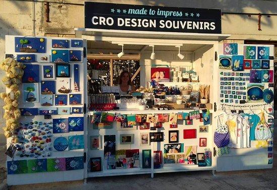 Rogoznica, Kroasia: Cro design souvenir shop