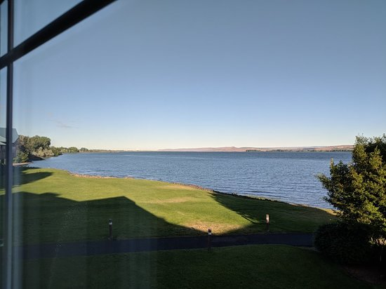 Boardman, OR: View of Columbia River from our room.