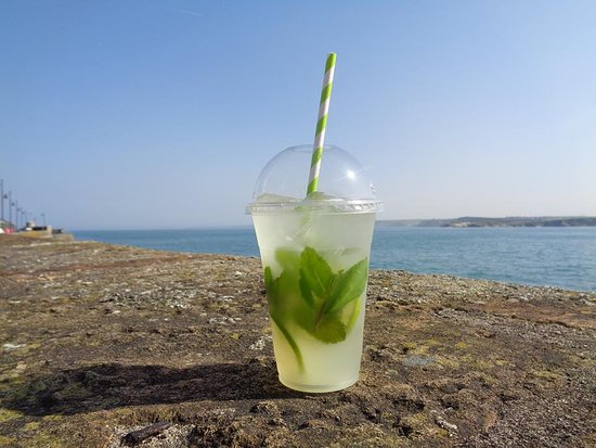 The Lime Kitchen: The Lime Mint Cooler - perfect for a summer day on the beach