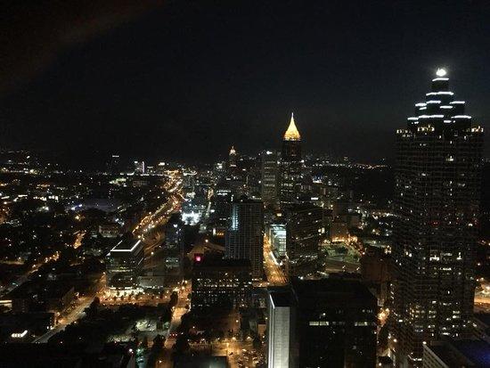 The Westin Peachtree Plaza, Atlanta: nighttime view - 65th floor