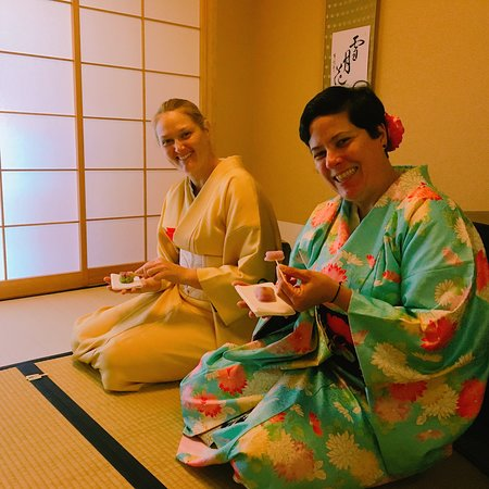 Tessen Tea Ceremony: Having sweets just before Matcha is served.