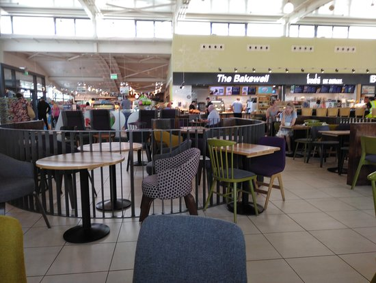 Lusk, Ireland: Inside Applegreen