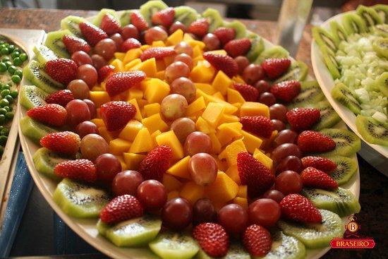 Restaurante Braseiro: Frutas...