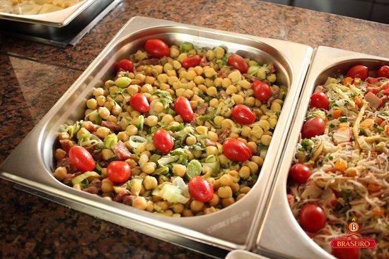 Restaurante Braseiro: Saladas...