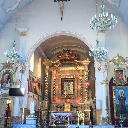 Kalkow, Polen: Ciekawe miejsce religijne. Moja uwagę zwróciła fantastyczna droga krzyżowa. Stacje wykonane w sk