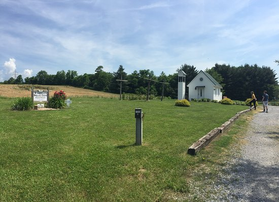 ‪Wytheville's Smallest Church‬