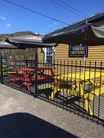 The Three Sisters Pub: sunny days