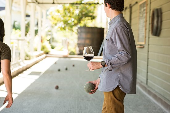 Martin Ray Vineyards & Winery: Sip and Bocce