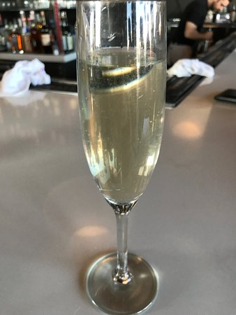 The Rooftop @ The Vendue : champagne