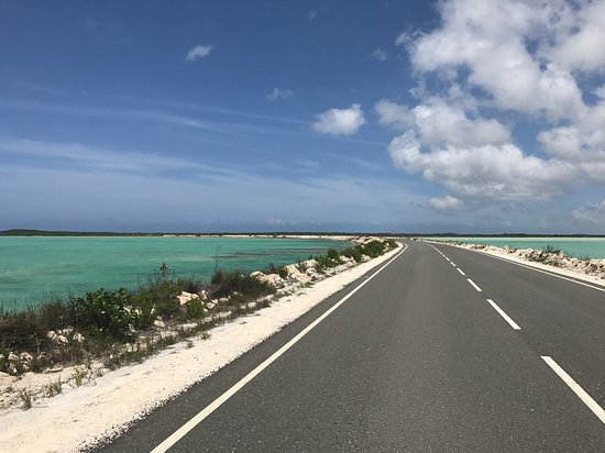 Indigenous Tours and Rentals: Causeway to middle caicos