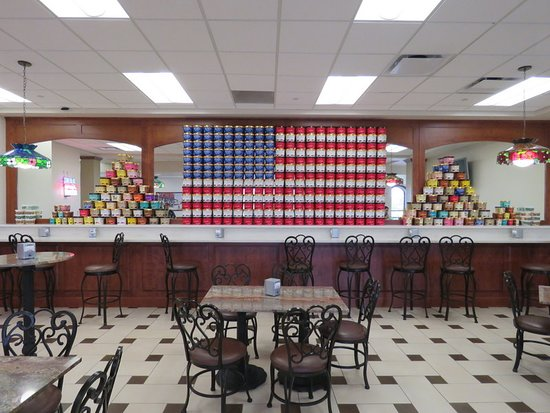 Blue Bell Creameries: Dining area