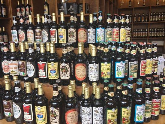 Angel & White Horse: Huge choices of bottled beer