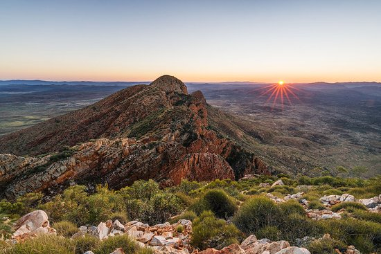Alice Springs, Australia: Mount Sonder sunrise is very special on the Larapinta Trail