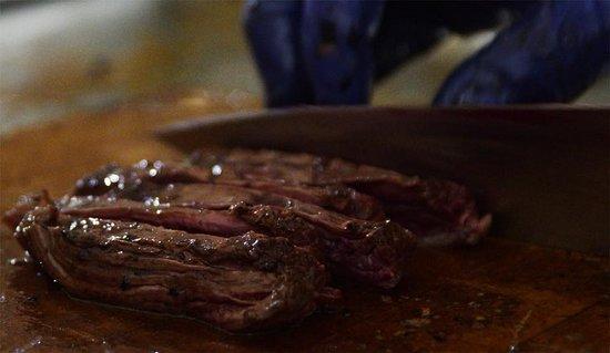 הילה, ישראל: A slice of smoked butchers