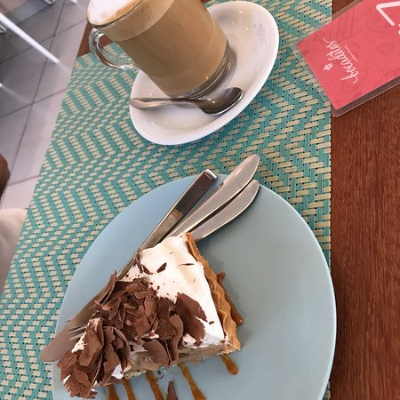 Bocaditos Confeitaria Artesanal: Café com leite e Banoffee