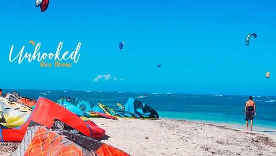 Unhooked Buen Hombre kite beach, flatwater and shallow water to progress and learn faster.