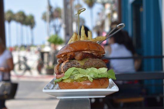 Surfside: Breakwater burger