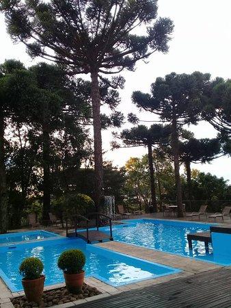 Hotel Wish Serrano: Piscina descoberta com uma vista linda!