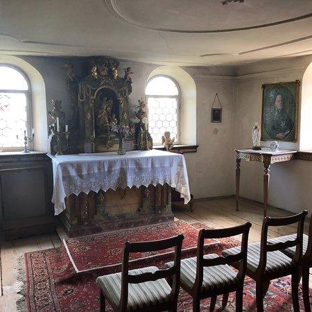 Wasserschloss Hagenwil Restaurant: Fantastic location and great food! A hidden gem!!