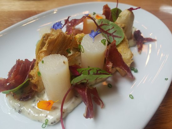 Tapas 24 Montreal: white asparagus
