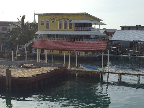 Bay Islands College of Diving: Beautiful Utila