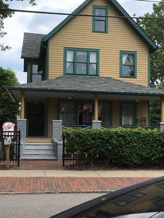 A Christmas Story House: Front of house