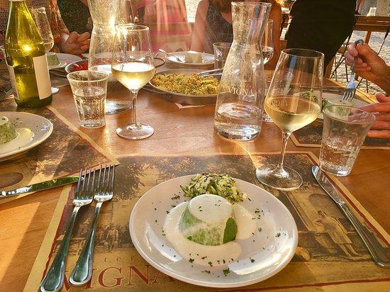 Osteria Vigna: Zuccini flan with lemon sauce