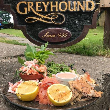 The Greyhound : Seafood sharing platter