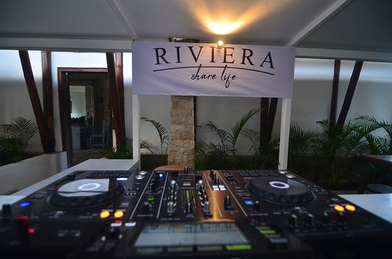 Riviera Lounge: DJS