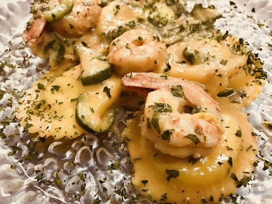 Ristorante Pizzeria Il Boschetto: Ravioli di pesce gamberi zucchine