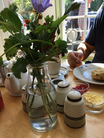 Buscot, UK: Cream Tea