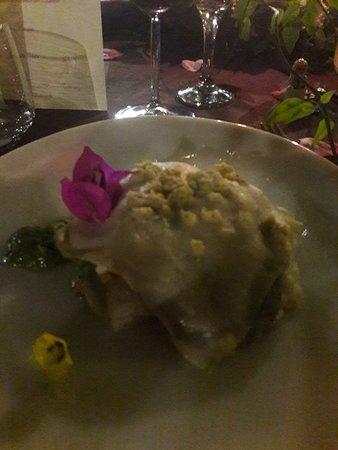 Ristorante Donna Orsola: Lasagnetta filata a mano con pesto di rucola, melanzane e nocciole ( variante vaegana)