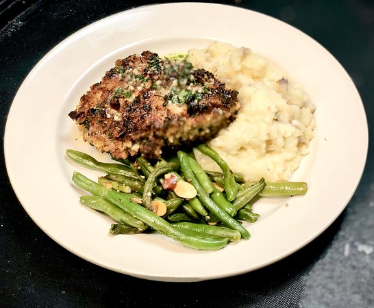 The Patio: Pecan Crusted Chicken