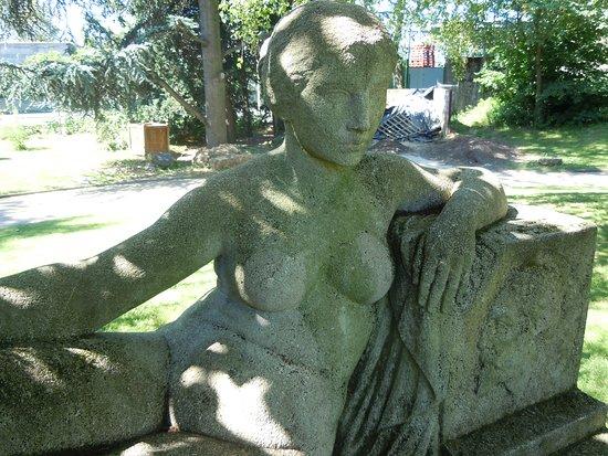 Sculpture Joachim Gasquet: Détail de la sculpture