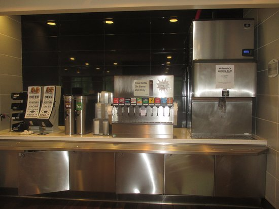 Moose Lake, MN: Beverage station