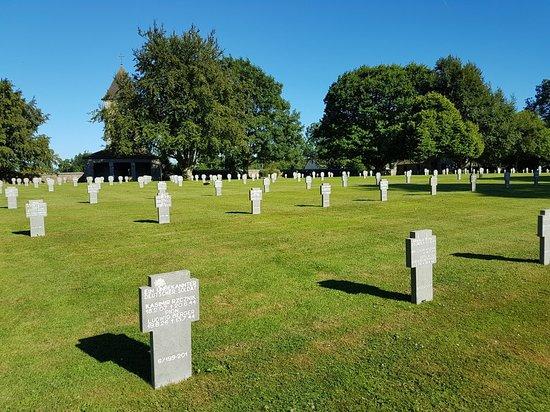 Orglandes, Fransa: Cimetiere Militaire Allemand