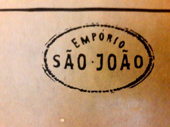 Emporio Sao Joao: o logo da casa no cardápio