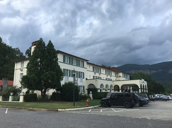 The 1927 Lake Lure Inn and Spa: exterior