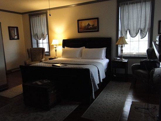 Jacob Rohrbach Inn: Jackson Room