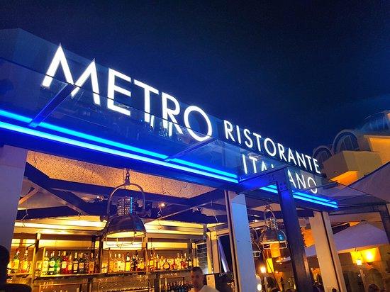 Metro Ristorante Italiano: terrace sign